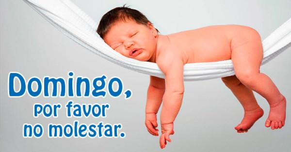 Imagen de bebé dormido en día domingo http://fechaespecial.com/