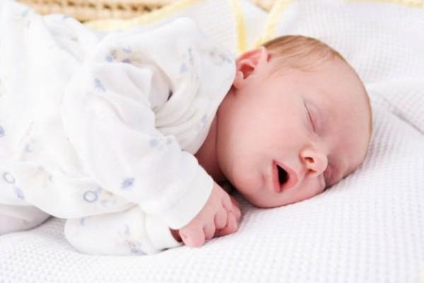 bebe-durmiendo-118905_w1000